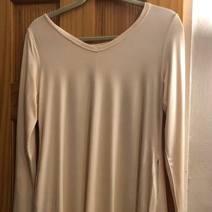 Dresses & Skirts - BOUTIQUE DRESS V-NECK DRESS